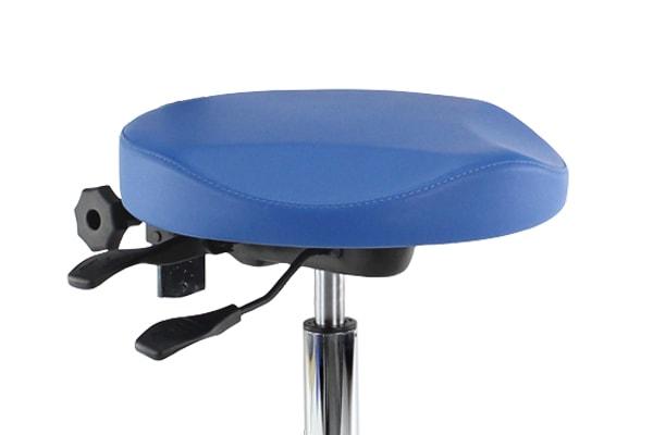 Score serie 63 med ergonomisk udskæring i sæde