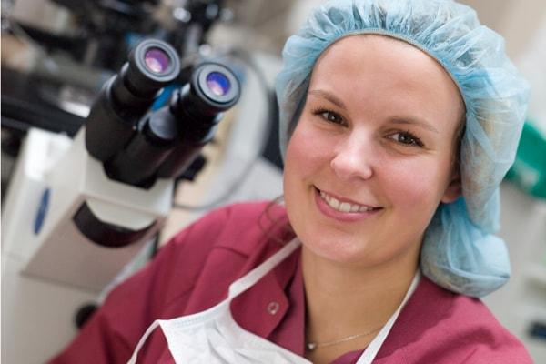 Særlig krav ved arbejdsplads til mikroskopi